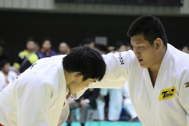 遠藤(右)