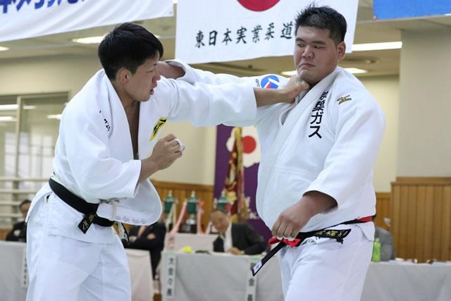 小原(左)