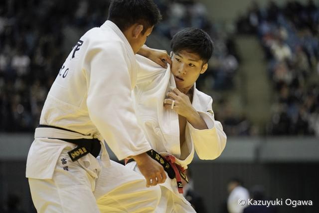 藤阪(右)