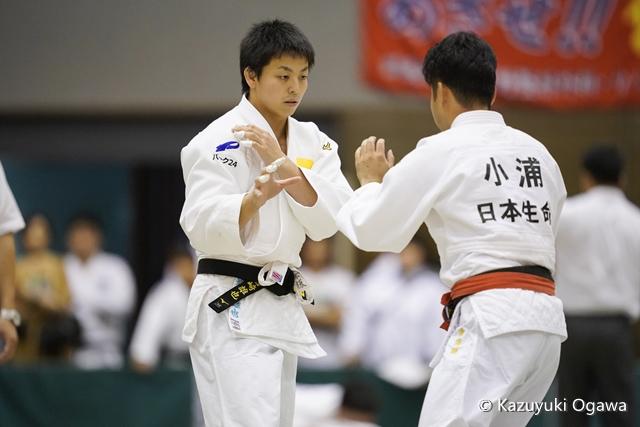 岩崎(左)
