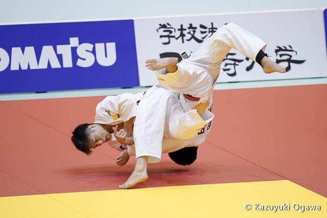 藤阪(左)決勝