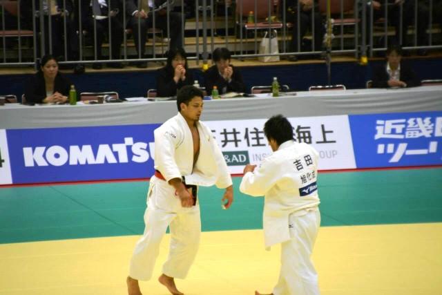 90kg級 菅原(左)