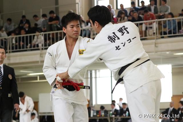 江畑(左)