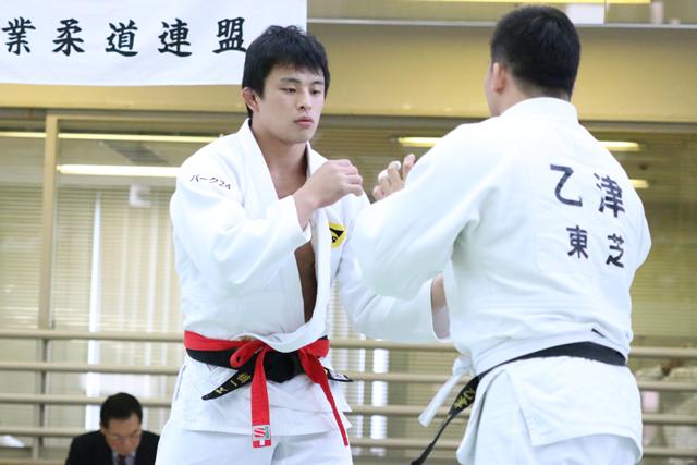 渕原(左)