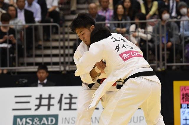 73kg級 橋本(左)