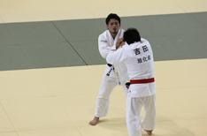 菅原(左)