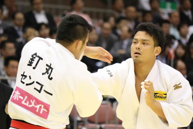90kg級 菅原(右)