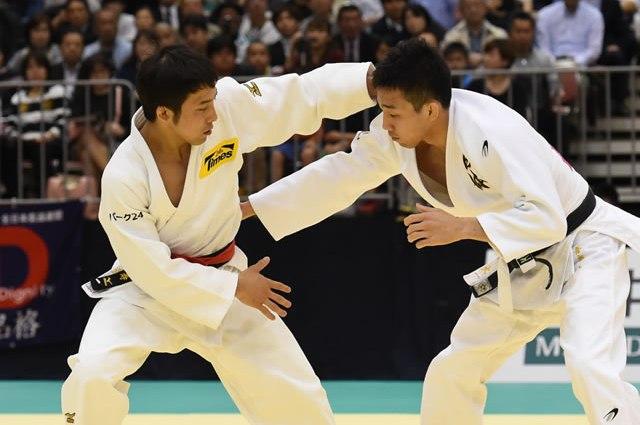 60kg級 髙藤(左)