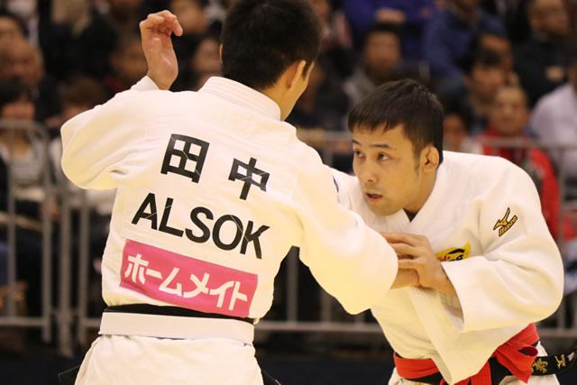 60kg級 髙藤(右)
