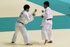 60kg級 矢野(左)