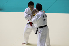 66kg級 青木(左)